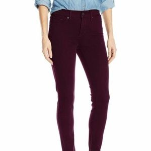 Levi's 311 Shaping Skinny Jeans Mid Rise 26x30